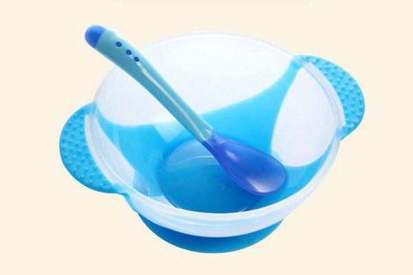 TPETPR软胶应用到儿童餐具包胶